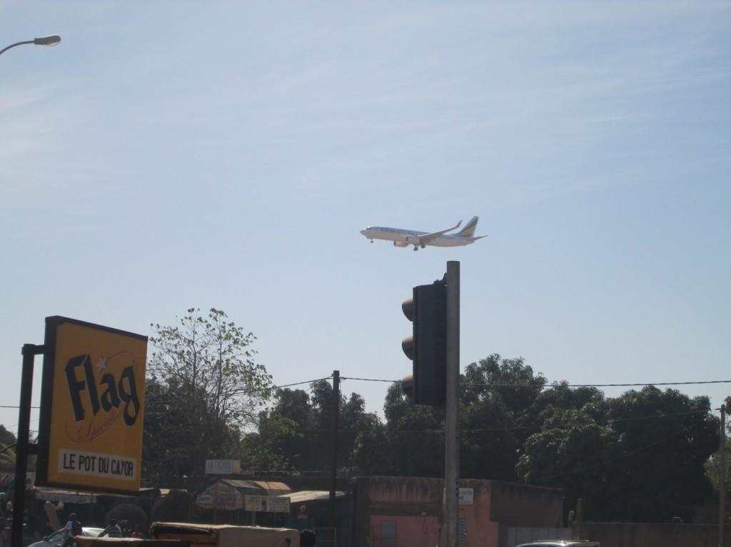 Passage d'avion au dessus de Ouaga